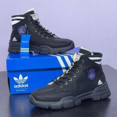 Christian Louboutin Classic Low Top Sneakers
